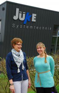 Marianne Voßgröne (l.) und FH-Studentin Marta Kubiak sind für ein Semester ein Mentoring-Tandem.