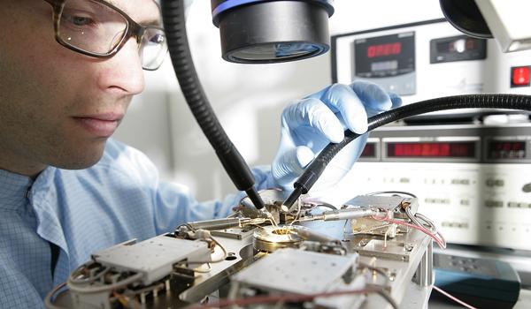 Freie studienpl tze f r elektrotechnik mach mit die for Elektrotechnik studium