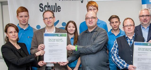 Kooperationsvereinbarung zwischen der Rottendorf Pharma GmbH und der Johann-Heinrich-Schmülling-Schule