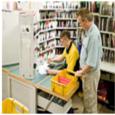 Was macht man in diesem Beruf? Meist arbeiten sie in engem Kundenkontakt: Fachkräfte für Kurier-, Express- und Postdienstleistungen stellen in erster Linie Briefe, Päckchen oder Pakete zu. Dazu leeren sie […]