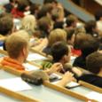 Die Fachhochschule (Abkürzung: FH) ist eine Hochschulform, die Lehre und Forschung auf wissenschaftlicher Grundlage mit anwendungsorientiertem Schwerpunkt betreibt. Das Studium an einer Fachhochschule wird in der Regel mit einem Bachelor […]