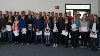 Insgesamt 34 Auszubildende der GEA am Standort Oelde haben kürzlich ihre Abschlussprüfung erfolgreich bestanden. Drei der diesjährigen Absolventen setzen dabei ihr duales Studium fort. Auch in diesem Jahr erbrachten einige Auszubildende herausragende Leistungen...