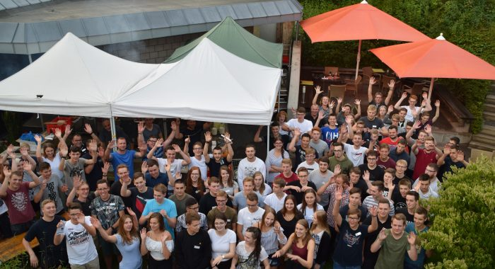 Insgesamt 81 von 100 neuen Auszubildenden konnte GEA in diesem Jahr in Hachen am Sorpesee begrüßen.